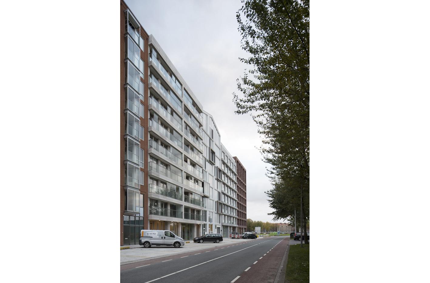 Atelier PUUUR BLOK straatbeeld wand HAPRANDAWEG Houthaven Amsterdam CO zelfbouw