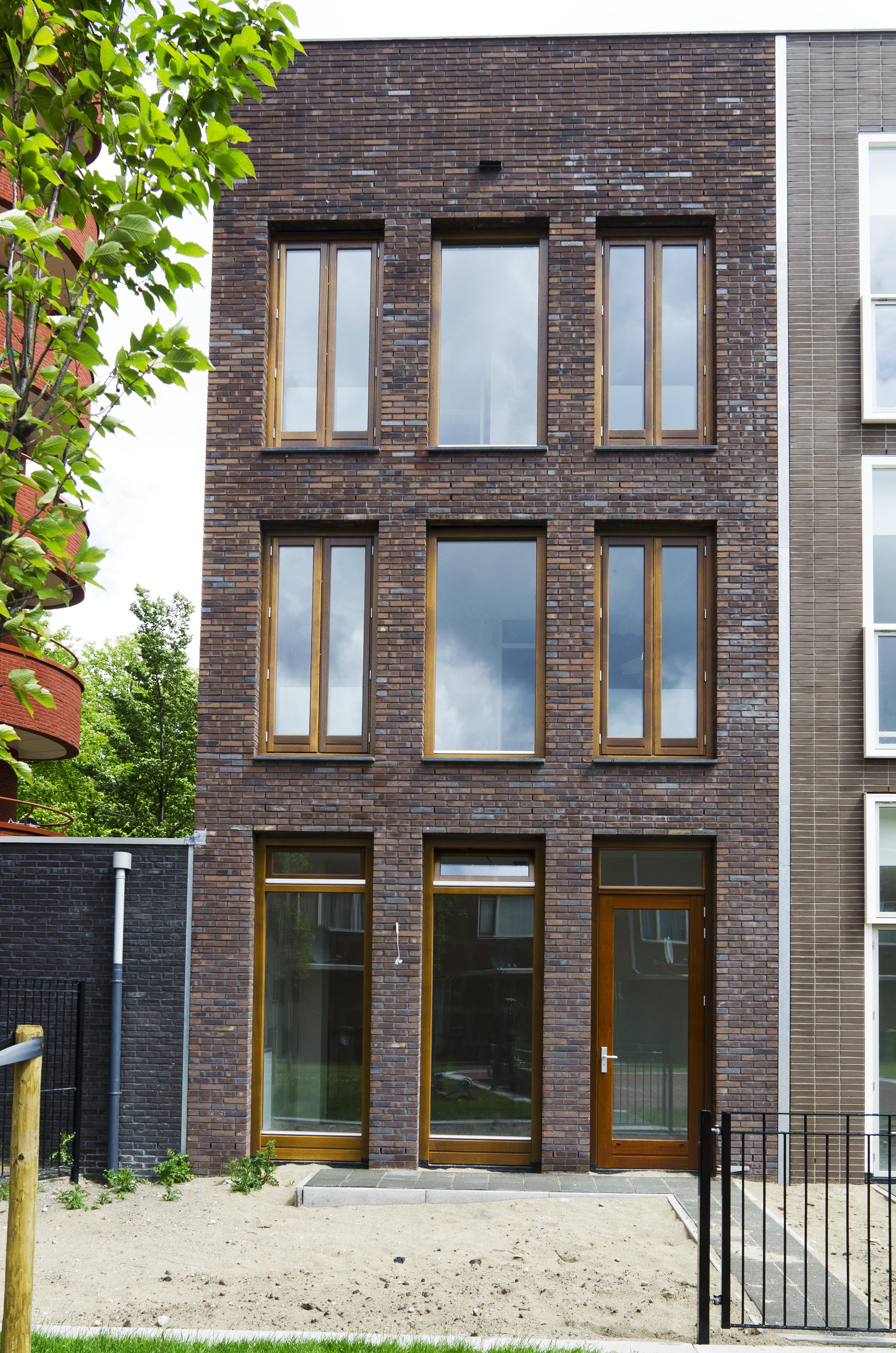 Kavel 9 van Tijenbuurt Getijenveld Atelier PUUUR zelfbouw particulier Opdrachtgeverschap Amsterdam West herenhuis metselwerk achtergevel