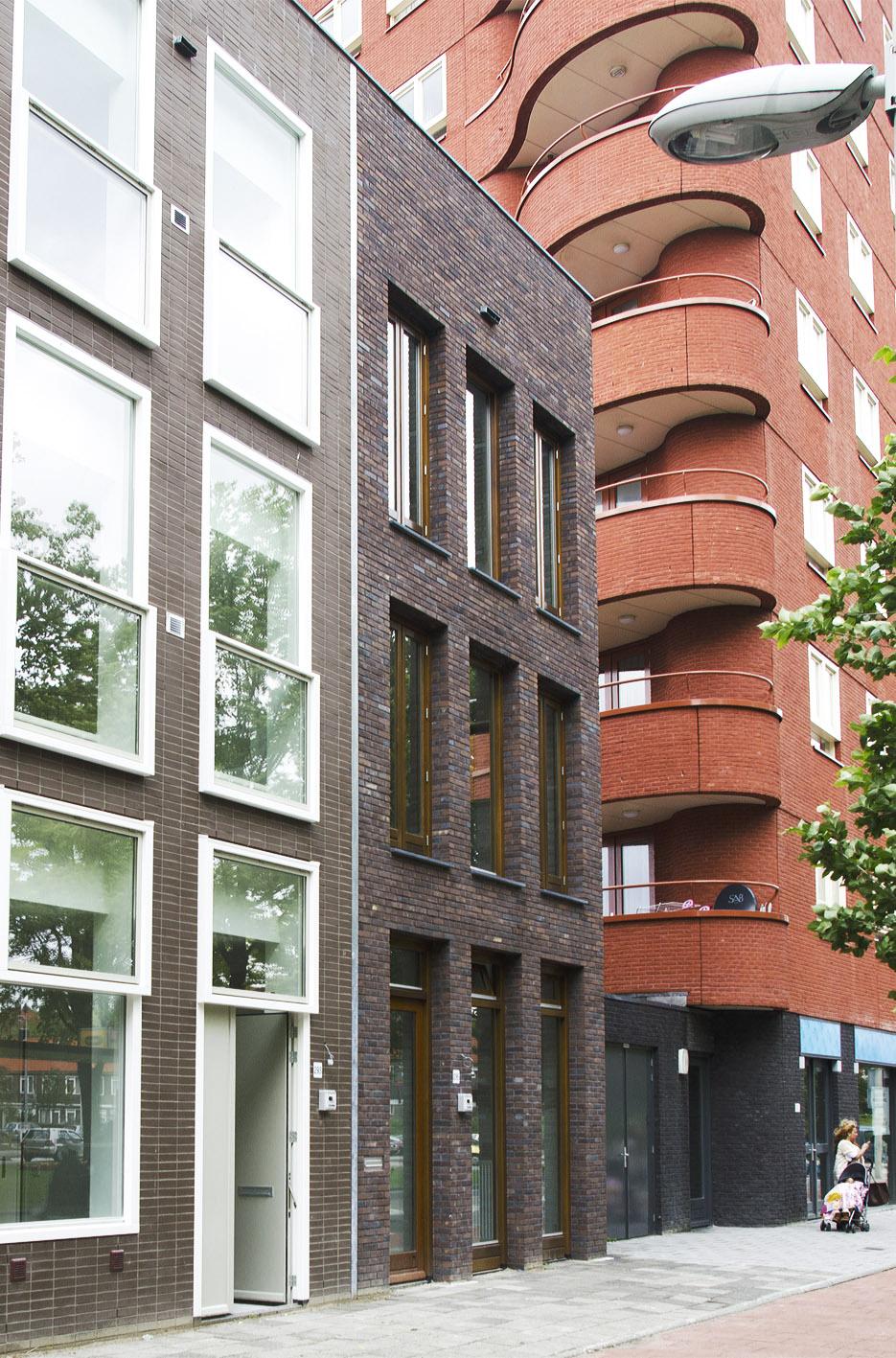 Kavel 9 van Tijenbuurt Getijenveld Atelier PUUUR zelfbouw particulier Opdrachtgeverschap Amsterdam West herenhuis metselwerk straatgevel